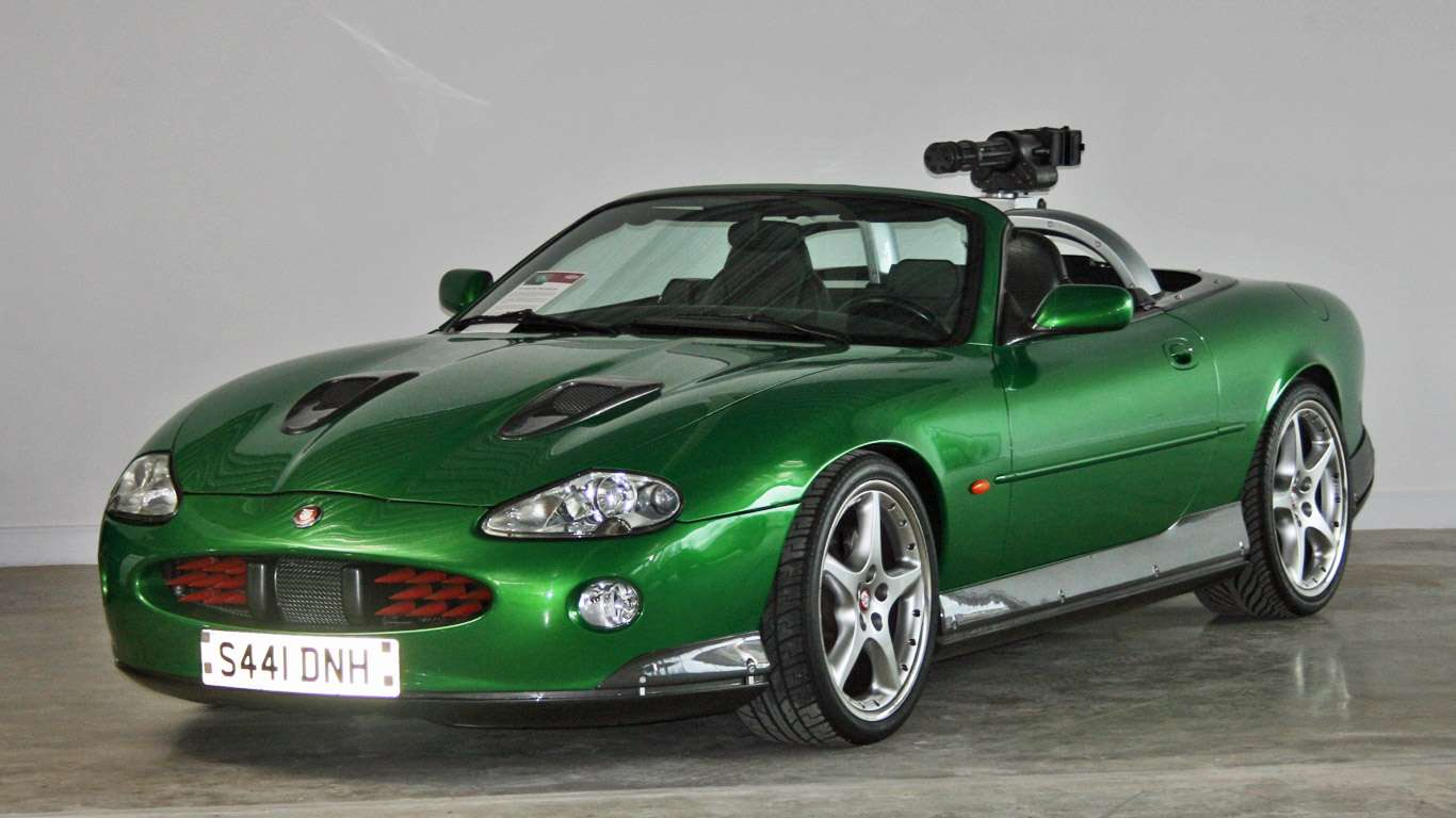 James Bond Jaguar XKR