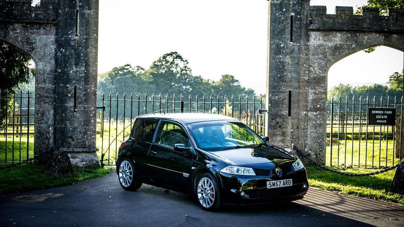Renault Megane Renaultsport 225: £3,695